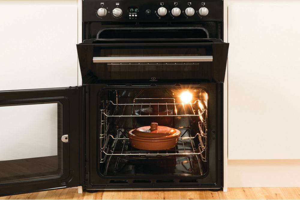 Indesit Cookers at Dalzells