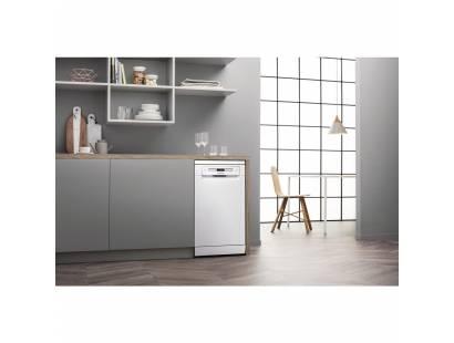 HSFO3T223W Slimline Dishwasher